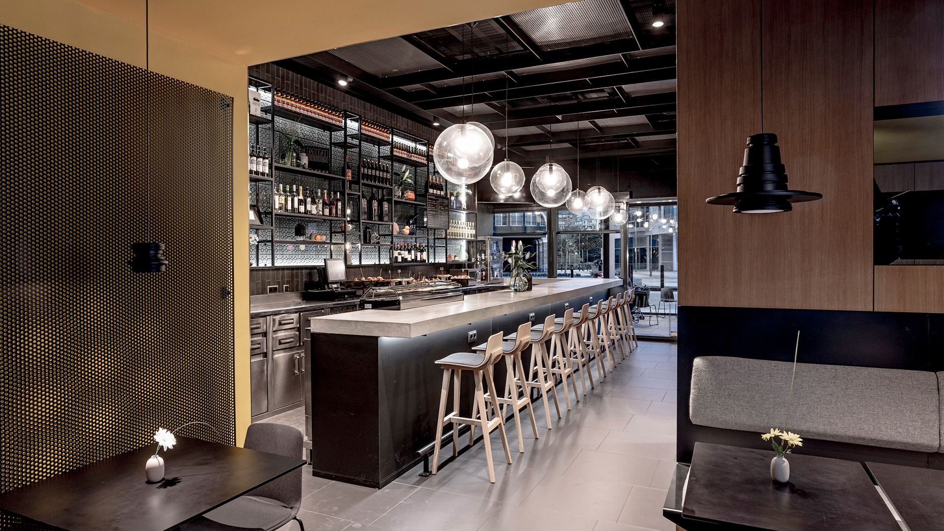 LIGANOVA | MINI | Brand Experience – MINI Bar Bilbao | Insights