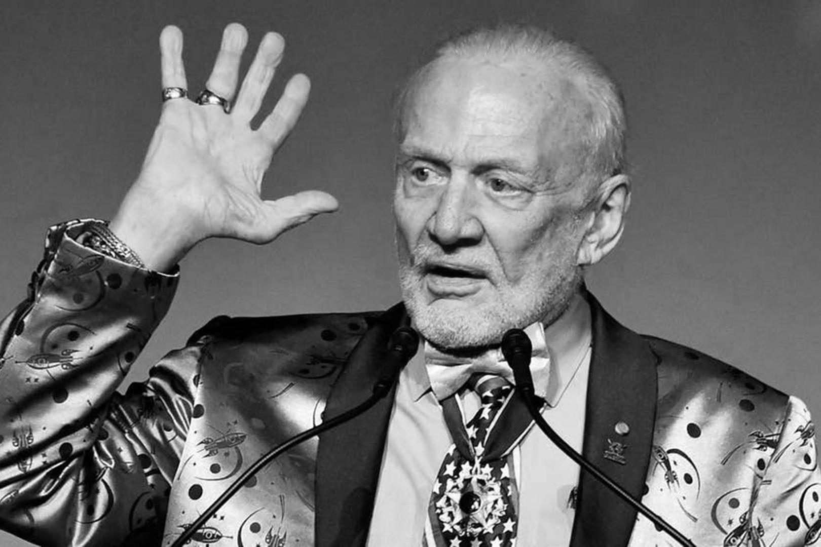 LIGANOVA | Daimler | Brand Experience – me Convention | Buzz Aldrin