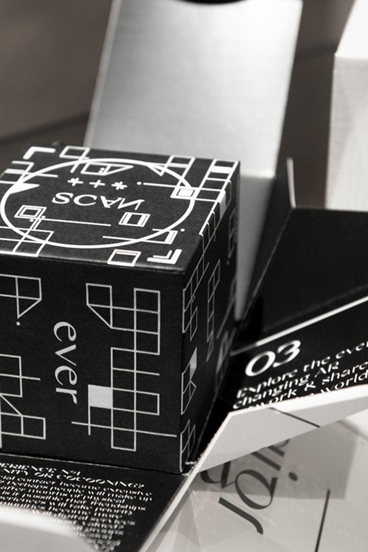 LIGANOVA | New Year's Mailing | 2021 | AR Cube